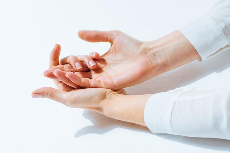手腳麻痺刺疼,可能是病症在作祟
